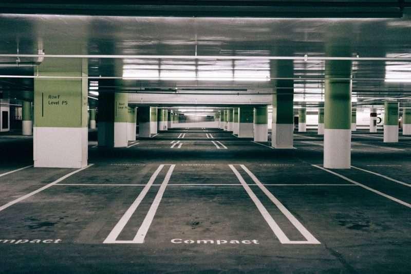 Tips om goedkoop bij Schiphol te parkeren